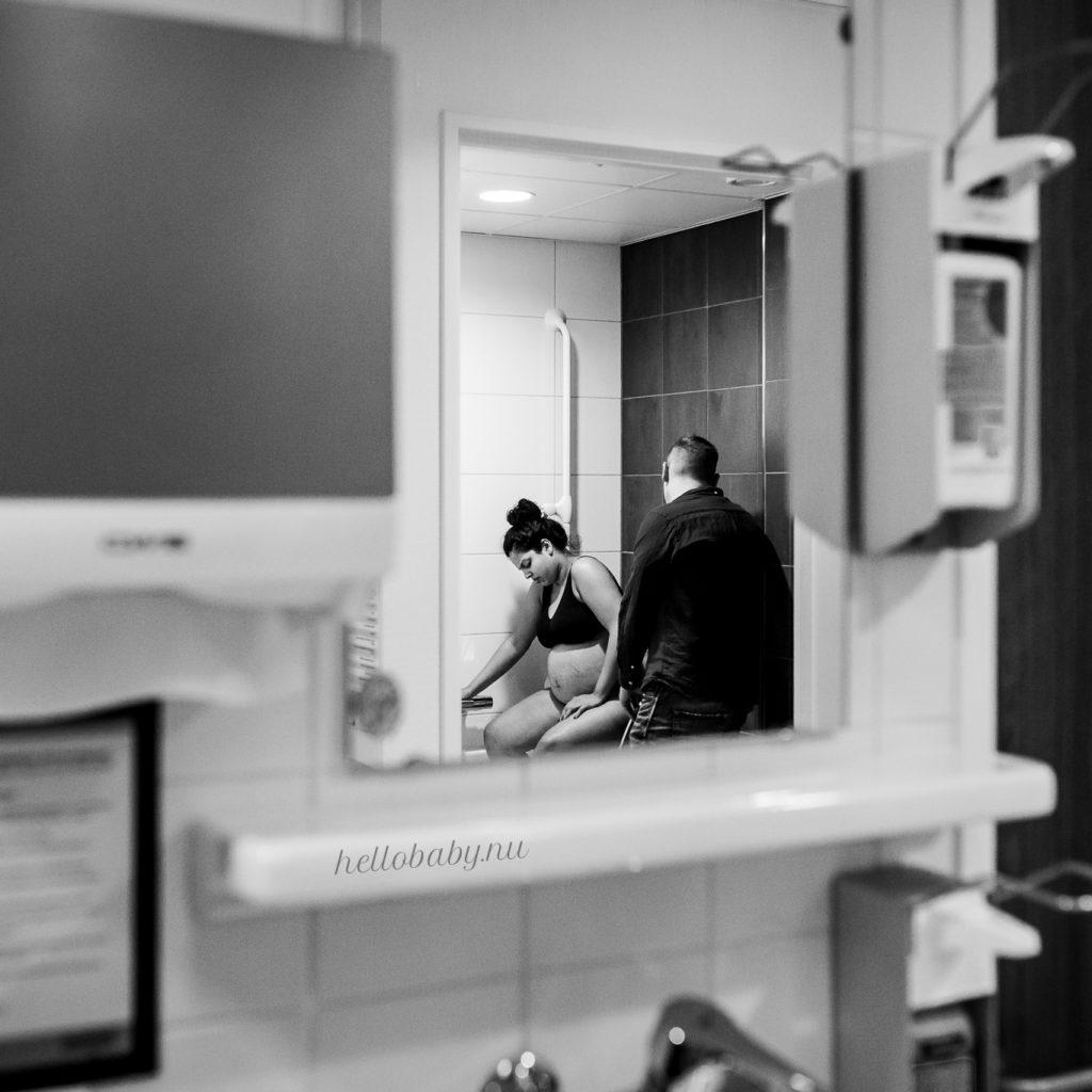 Geboortefotografie Ziekenhuis Badkamer
